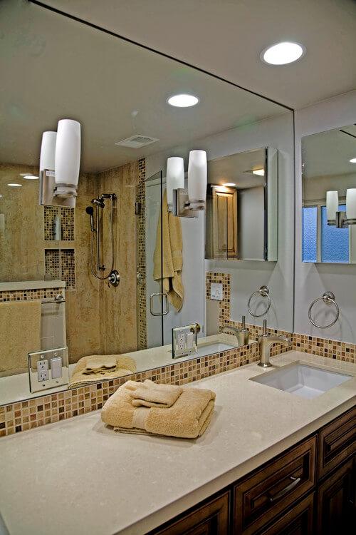 Bathroom mirror placement