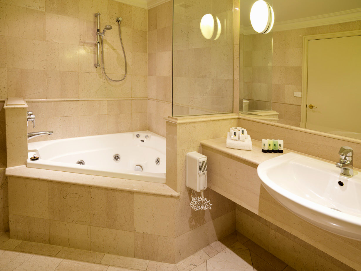luxury small bathroom layout image-Lovely Small Bathroom Layout Decoration