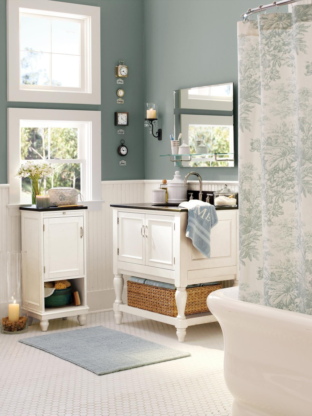 Pottery Barn Bathroom Stunning This Bathroom is Full Of Accessories From the Retailer Pottery Inspiration