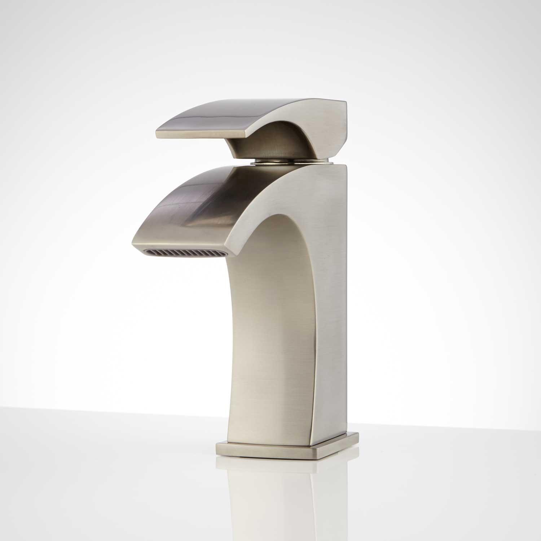 Single Hole Bathroom Faucet Terrific Montevallo Single Hole Bathroom Faucet with Pop Up Drain Bathroom Collection