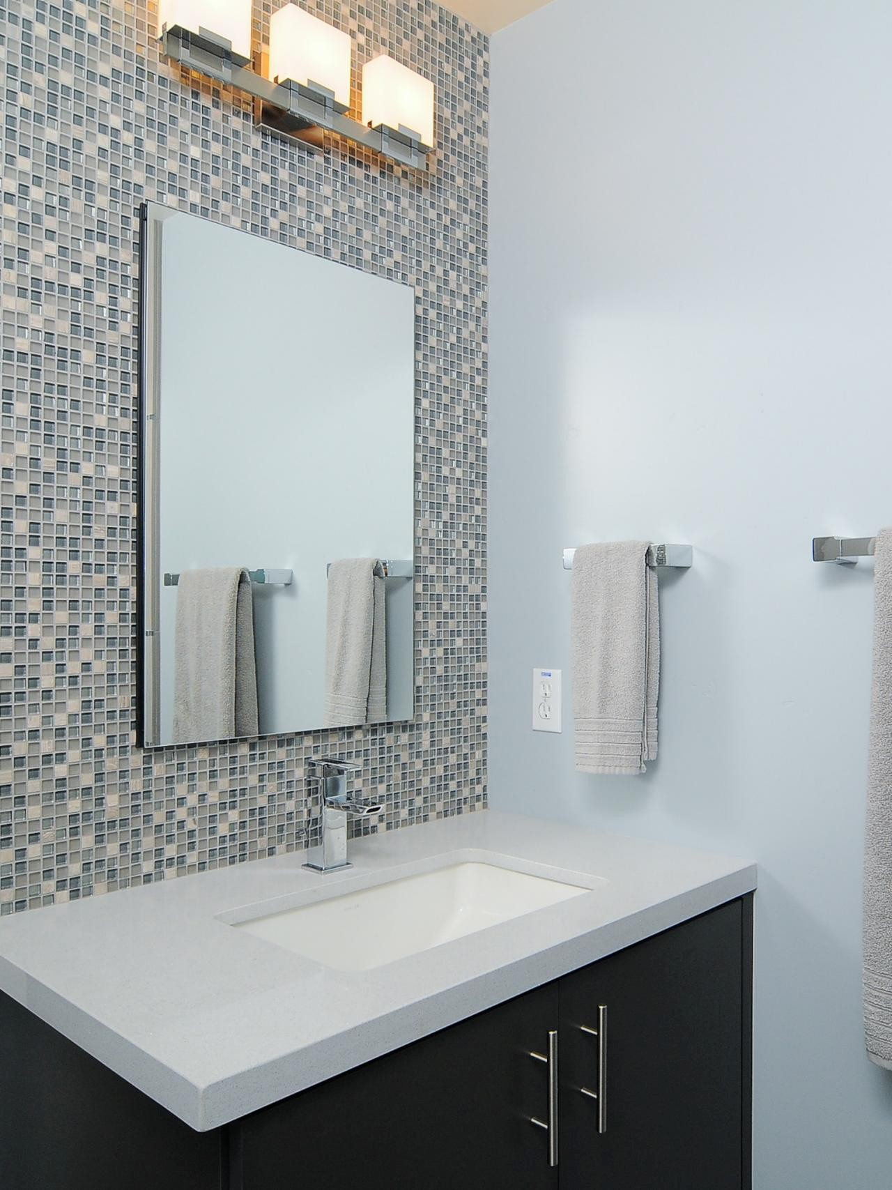 Modern Accent Tile Bathroom Ideas - Bathroom Design Ideas Gallery ...