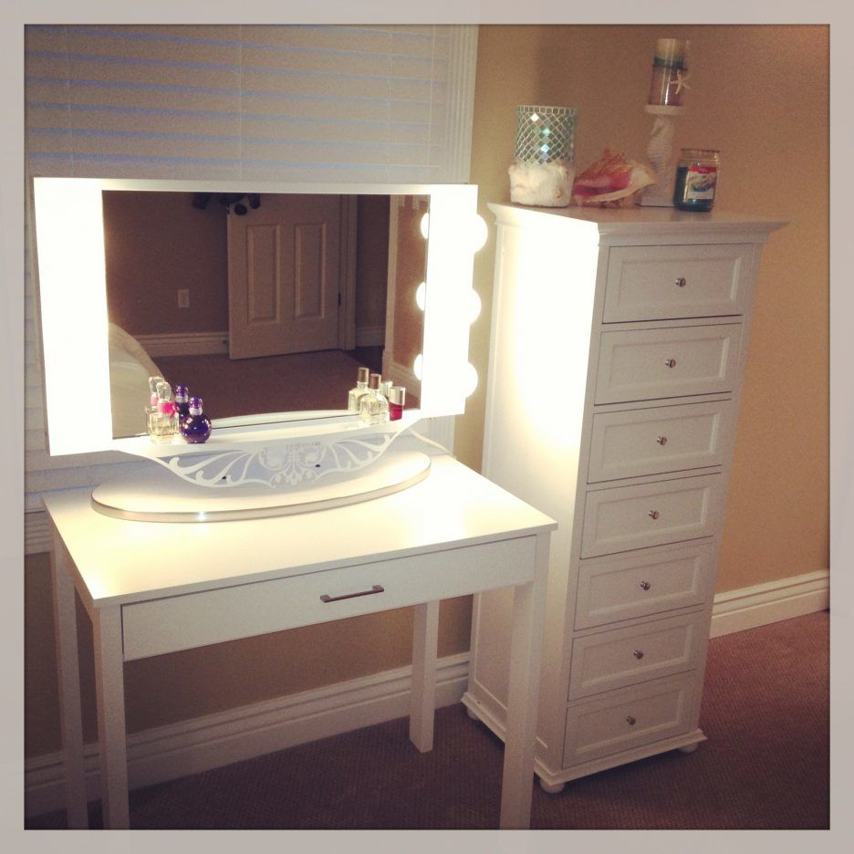 beautiful bathroom vanity with makeup station photo-Excellent Bathroom Vanity with Makeup Station Layout
