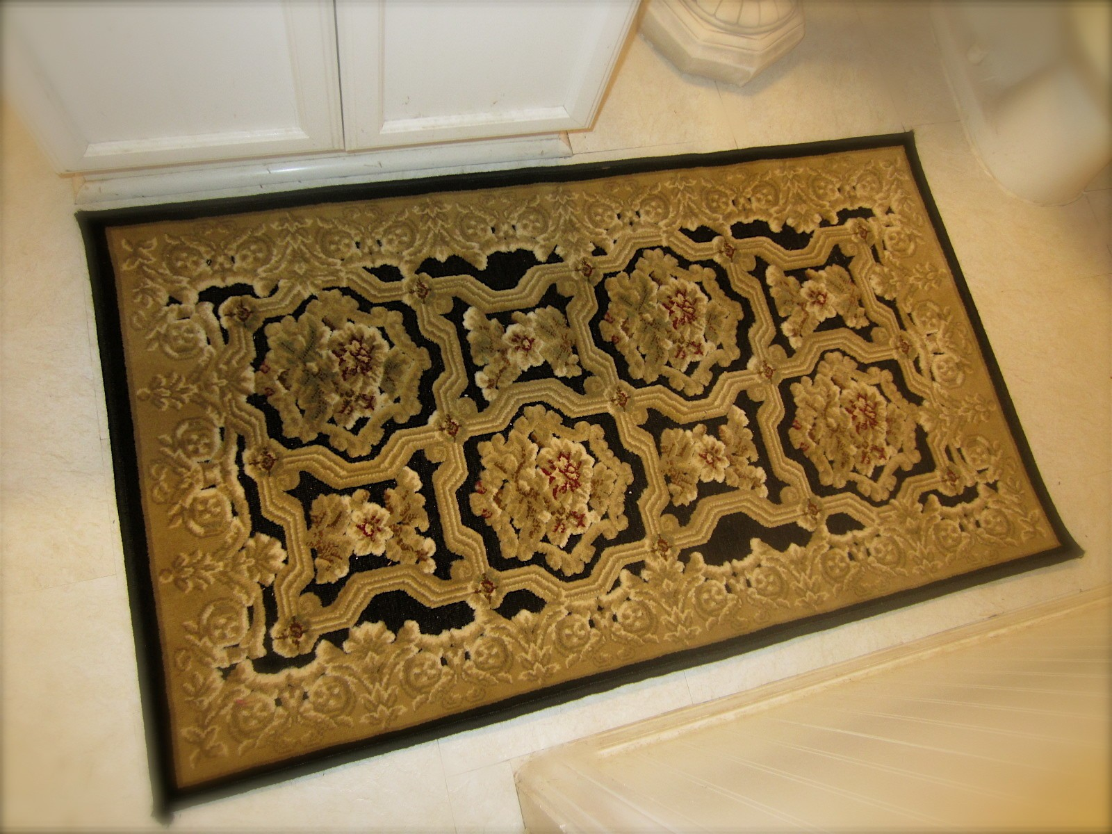 Awe Inspiring Gold Bathroom Rugs Qasync Com Interior Design Ideas Apansoteloinfo