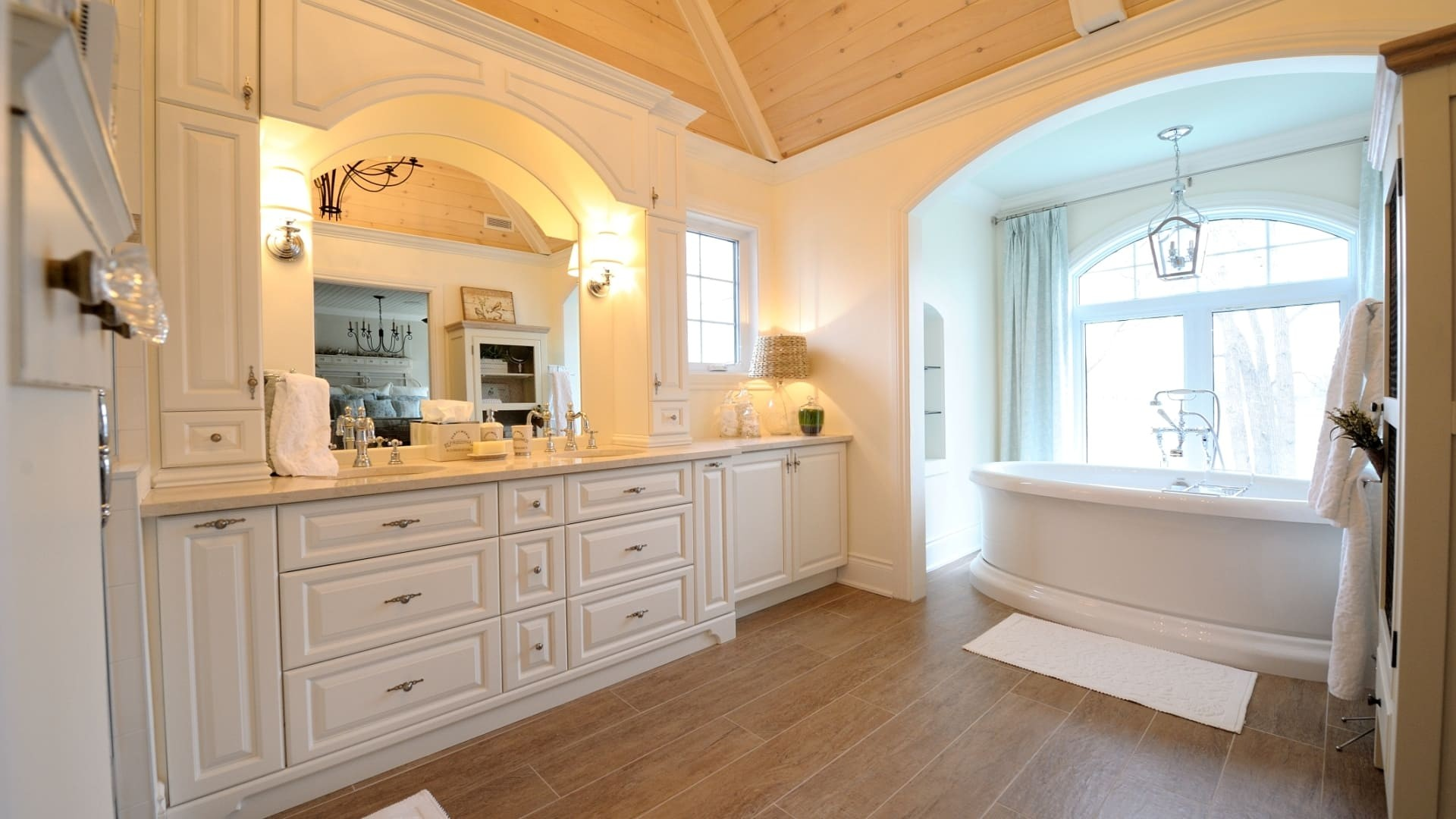 Luxury Country Style Bathrooms Model - Home Sweet Home ... on Model Bathroom Ideas  id=99026