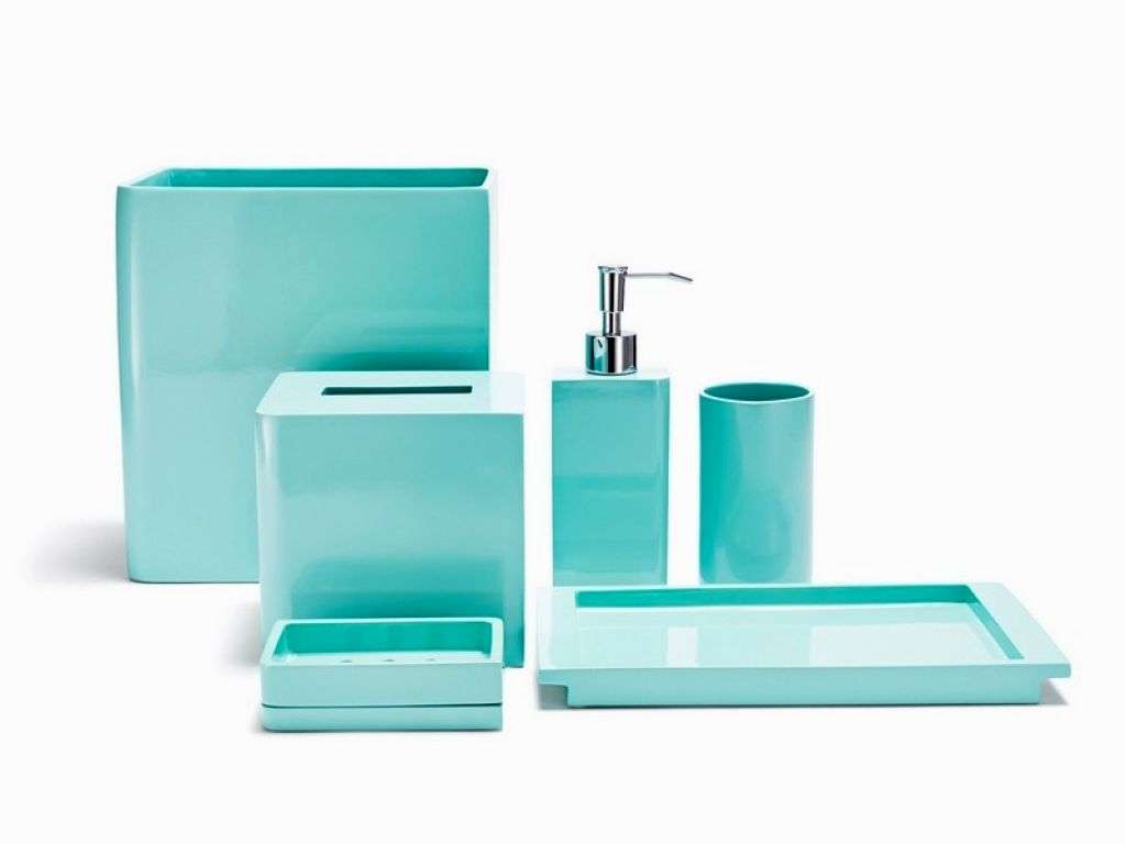 Fascinating Aqua Bathroom Accessories Decoration