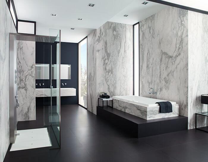 Black-and-Porcelain bathroom