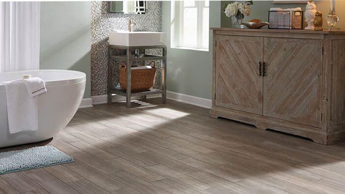 The texture of wood used on walls and floors can also improve the surface area of your bathroom